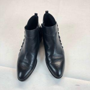 Donald J. Pliner Avea ankle black boots SZ 8.5